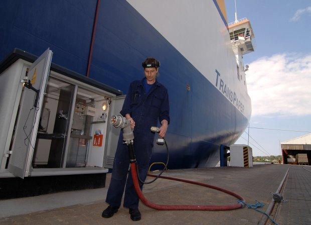 """Landstromversorgung Siharbor - """"Steckdose"""" für Schiffe senkt Emissionen"""