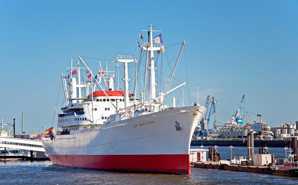 Das Museumsschiff Cap San Diego im Hamburger Hafen
