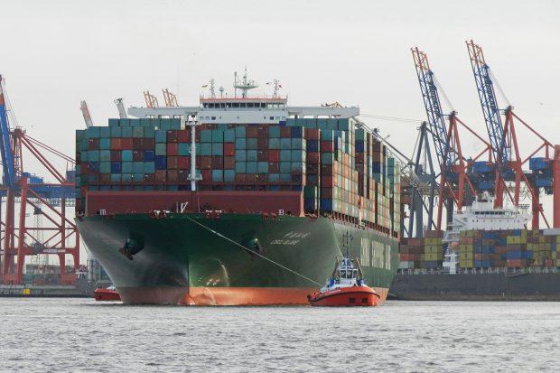 Megacarrier OECD-Studie The Impact of Mega-Ships (c) URSfoto_pixelio