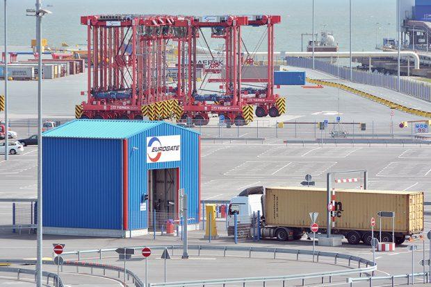LWK-Abfertigung Eurogate-Terminal (c) JWP