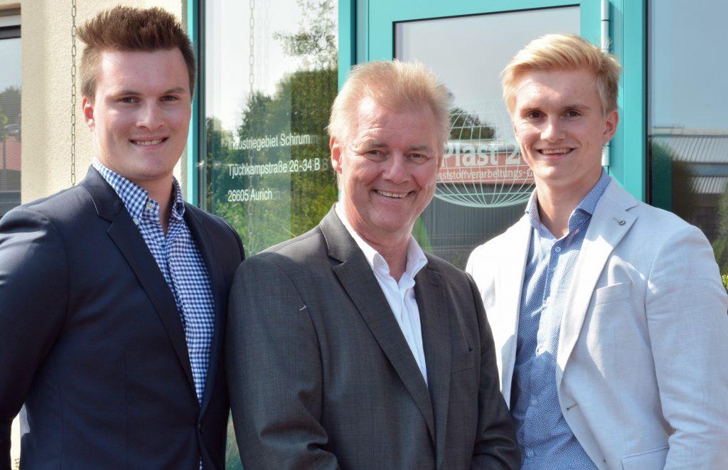Theo Bohlen und seine Söhne Arne (links) und Stefan Bohlen führen das Auricher Familienunternehmen B-Plast 2000.
