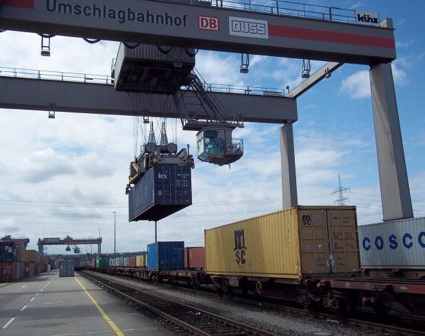 Güterumschlag Sonderauswertung Seeverkehrsprognose 2030 (c) SCHAU.MEDIA_pixelio.de