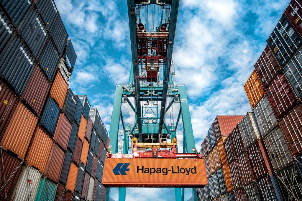 Ob Hapag-Lloyd künftig Container auch über den JadeWeserPort verschifft, hängt laut Rolf Habben Jansen davon ab, wie sich die Linien-, Partner- und Kundenstruktur seiner Reederei künftig entwickelt.