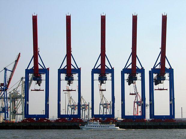 Wirtschaft besorgt über Zustand des Hamburger Hafens_Symbolbild (c) Jörg Henkel Hamburg_pixelio.de