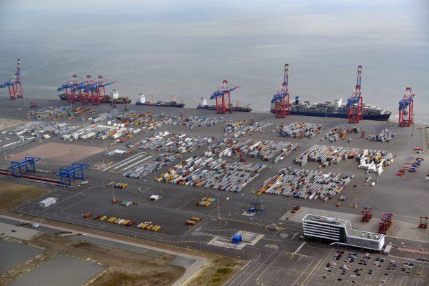 Containerumschlag JadeWeserPort_1. Halbjahr 2016 (c) JWP