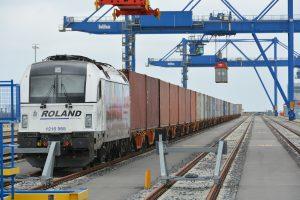 Container-Shuttle Wilhelmshaven Hamburg Roland Umschlag (c) Eurogate