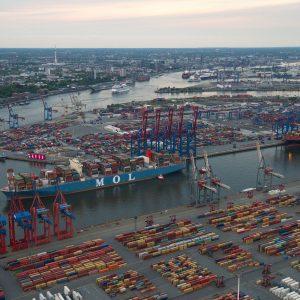 Hamburg, Hafen Hamburg, Einlaufen der MOL Triumph, größtes Containerschiff bislang in Hamburg