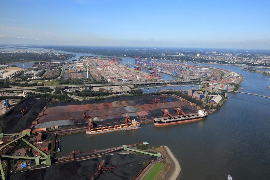 Luftbild: Massengutumschlag im Hamburger Hafen