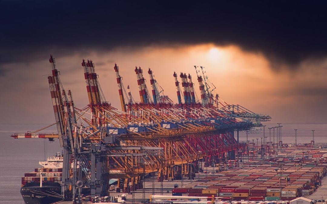 """Stau in Yantian: Hapag-Lloyd-Chef sieht """"großes Problem"""" für die Containerschifffahrt"""